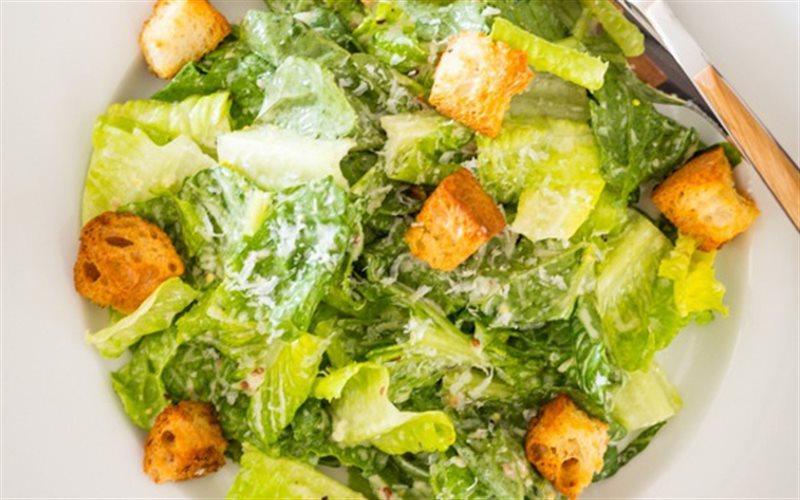 Cách Làm Salad Bánh Mì Giảm Cân Thơm Ngon Đơn Giản
