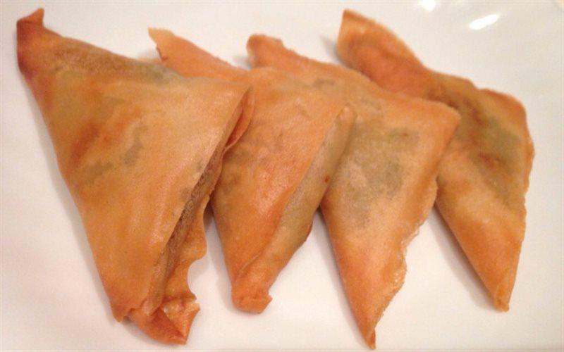 Cách làm Samosas Ấn Độ giòn rụm thơm ngon dễ làm tại nhà