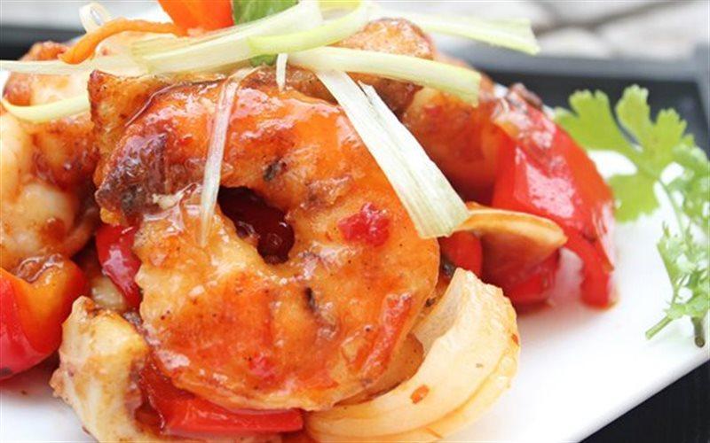 Cách làm Hải Sản Xào Chua Ngọt hấp dẫn cho bữa ăn gia đình