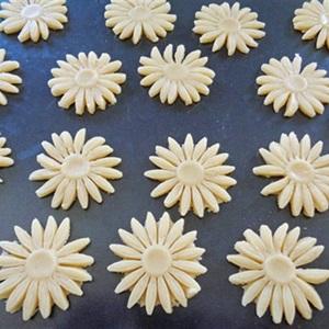 Bánh quy hình hoa cúc