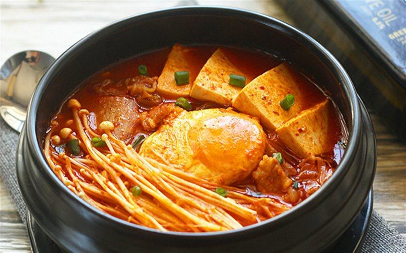 Cách Làm Canh Kim Chi Thịt Heo Kiểu Hàn Đúng Vị