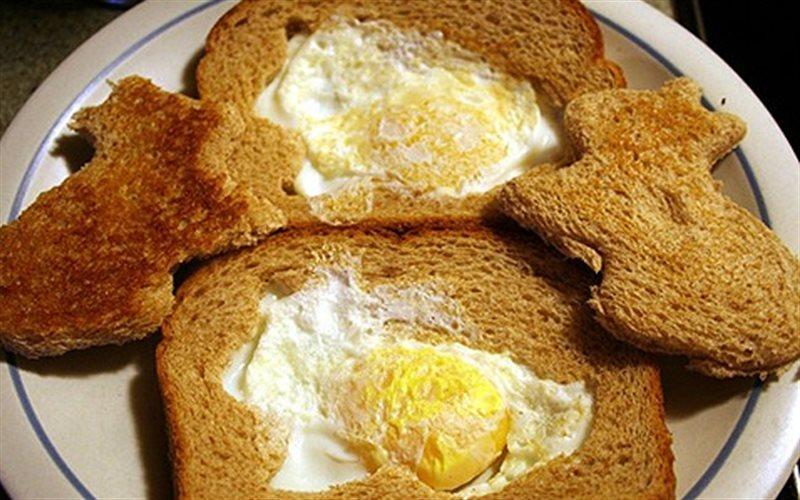 Cách Làm Bánh Mì Trứng Hình Thỏ Đơn Giản Cho Bé