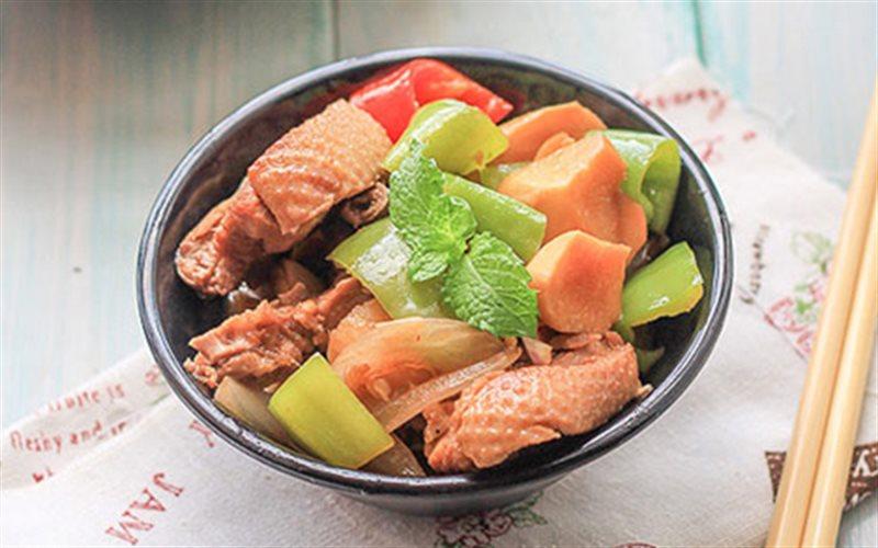 Cách nấu Vịt Om Bia mềm ngon lạ vị cho bữa tối cả nhà