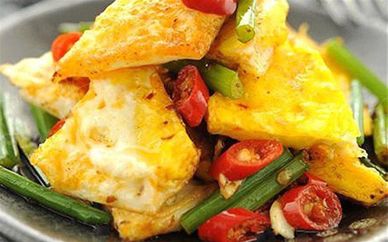 Cách Làm Trứng Xào Ớt Ngon Đơn Giản Cho Bữa Cơm