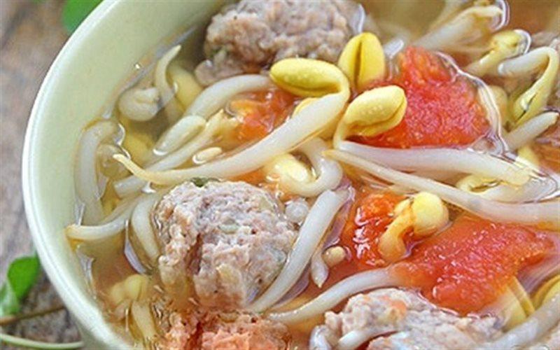 Cách làm Canh Thịt Viên Nấu Chua đổi vị cho bữa cơm