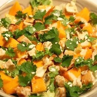 Cách làm Salad Xoài Thịt Gà cực ngon, giải ngấy, đơn giản