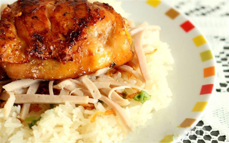 Cách làm Xôi Thịt Gà cực ngon, bổ dưỡng cho ngày ngán cơm