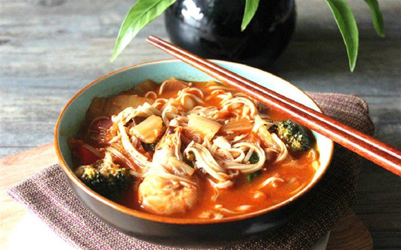 Cách Nấu Canh Kim Chi Ấm Nồng Cho Bữa Ăn Ngày Lạnh