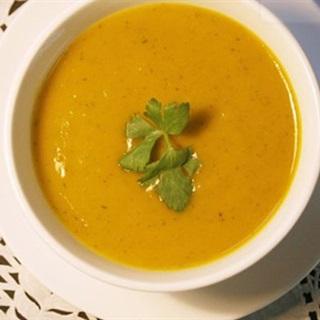 Cách làm Soup Bí Ngô thơm ngon, bổ dưỡng dễ làm tại nhà