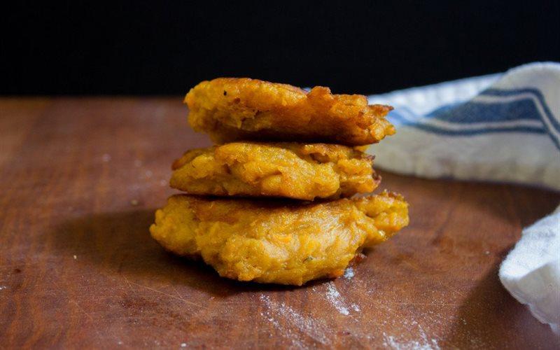 Cách làm Bánh Khoai Lang Chiên Vàng Giòn bùi béo, hấp dẫn