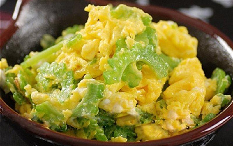 Cách làm Khổ Qua Xào Trứng giòn mát tốt cho sức khỏe