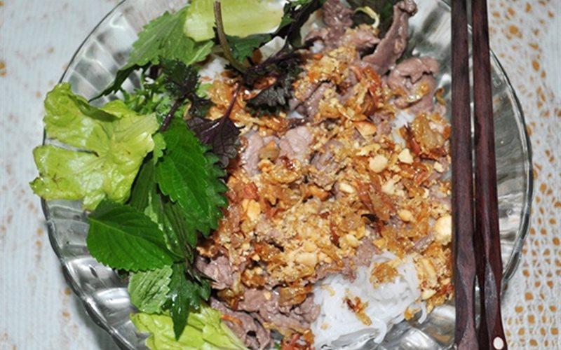Cách Nấu Bún Bò Xào Nam Bộ Thơm Ngon Đơn Giản