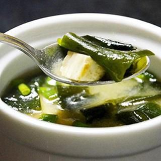 Cách nấu Canh Rong Biển Đậu Hũ thanh mát, bổ dưỡng