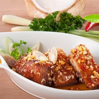 Cách làm Gà Chiên Dừa lạ miệng cho bữa ăn trưa gia đình