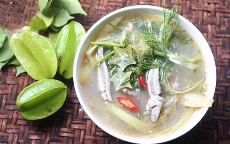 Cách nấu Canh Chua Khế Cá Cơm dân dã chống ngán ngày Tết