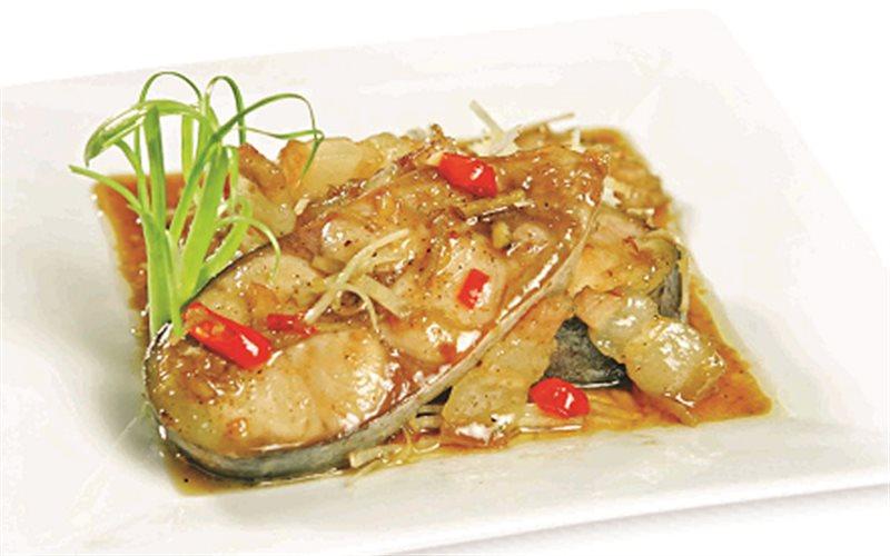 Cách làm Cá Hú Kho Riềng với thịt ba chỉ đậm đà đưa cơm