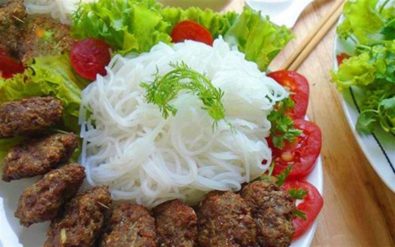 Cách Làm Bún Chả Bò Nướng Sả Thơm Ngon Và Đậm Đà