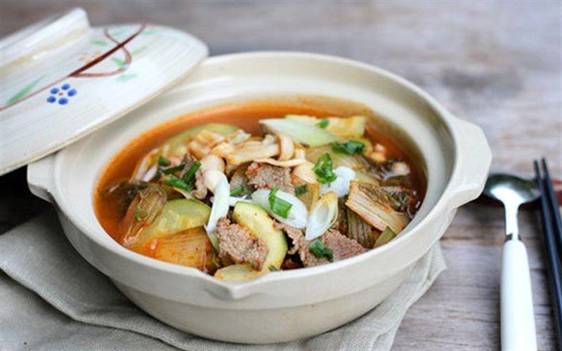 Cách làm Canh Kim Chi Nấu Thịt Bò chuẩn vị đất nước củ sâm