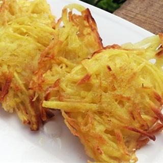 Cách làm Bánh Khoai Lang Chiên nóng hổi vừa thổi vừa ăn