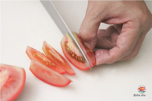 bắp cải cuốn thịt sốt cà chua
