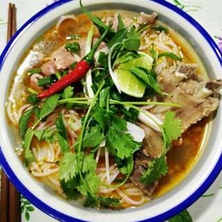 Cách Nấu Bún Bò Tái Thơm Ngon, Đậm Đà, Hấp Dẫn