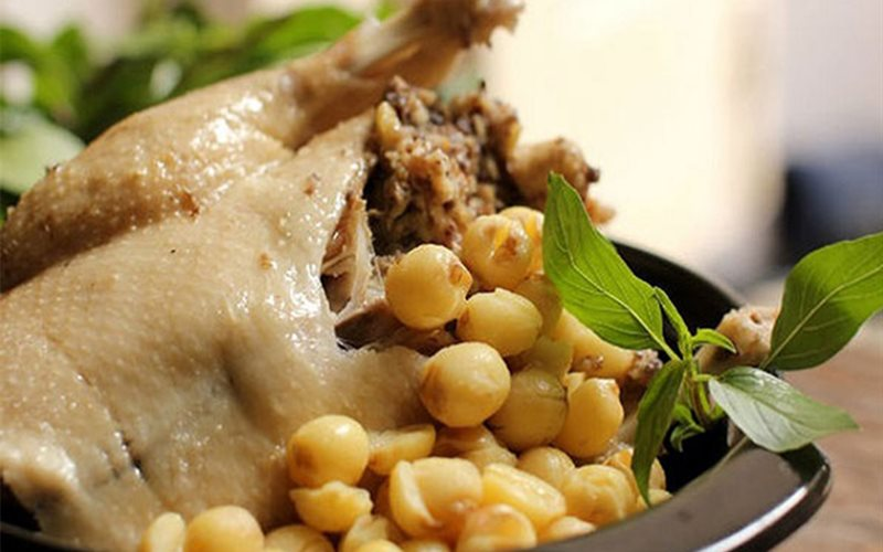 Cách nấu Gà Hầm Hạt Sen bổ dưỡng, tốt cho sức khỏe cả nhà