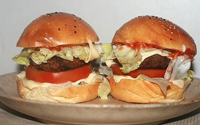Cách làm Hamburger thịt bò