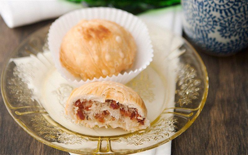 Cách Làm Bánh Bao Chiên Nhân Lạp Xưởng Thơm Ngon