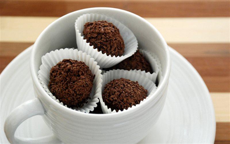 Cách Làm Chocolate Truffle 2 Lớp Hấp Dẫn Thơm Ngon