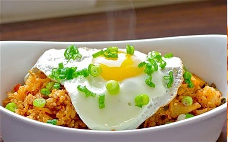 Cách Làm Cơm Rang Kim Chi Thịt Nguội Cho Bữa Sáng