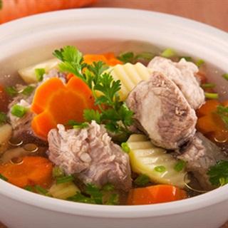 Cách nấu Canh Sườn Hầm Khoai Tây cà rốt bổ dưỡng cho bé