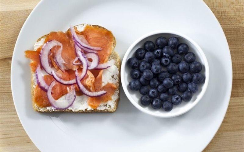 Cách làm bánh mì sandwich cá hồi xông khói