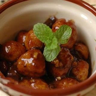 Cách làm Trứng Cút Sốt Me chua ngọt béo ngậy ăn vặt