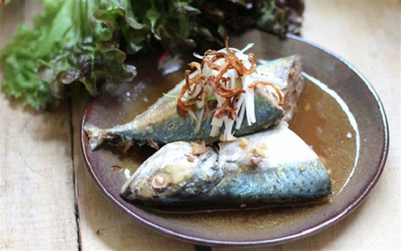 Cách làm Cá Nục Kho Tỏi Ớt đậm đà hương vị mà không sợ tanh