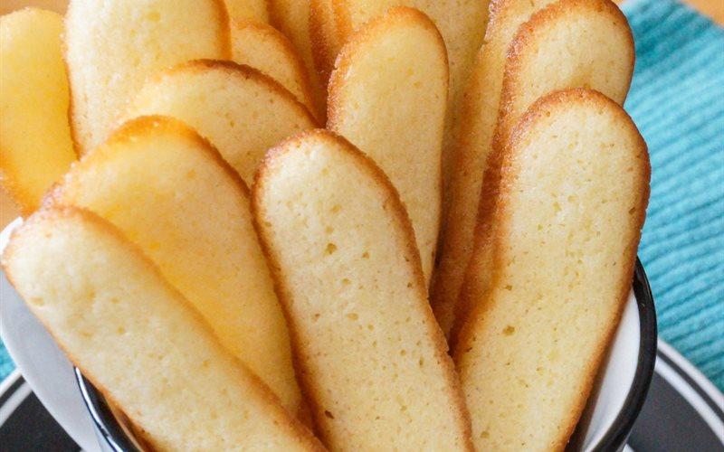 Cách làm Bánh lưỡi mèo giòn rụm thơm bơ