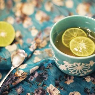 Cách làm Nước Chanh Mật Ong chua ngọt tốt cho sức khỏe