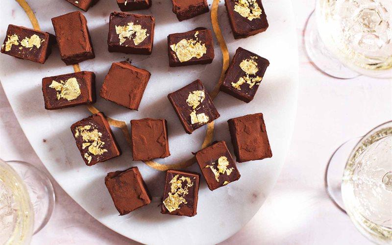 Cách Làm Chocolate Truffle Hương Rượu Champagne
