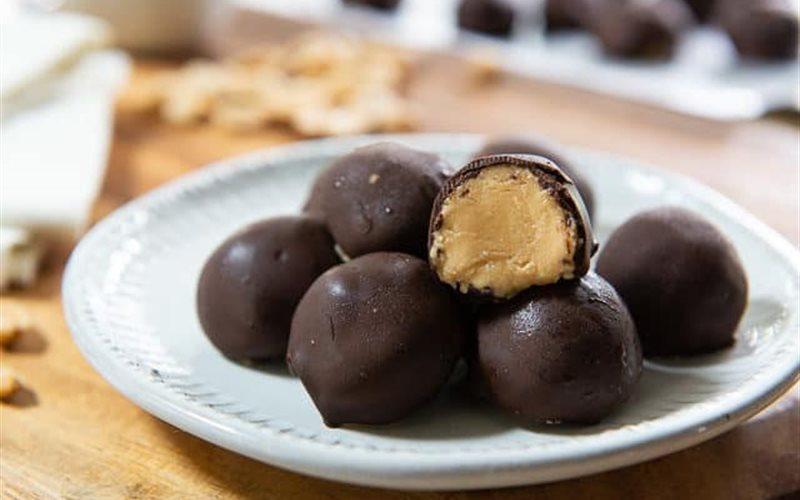 Cách làm Bánh bơ đậu phộng viên phủ chocolate
