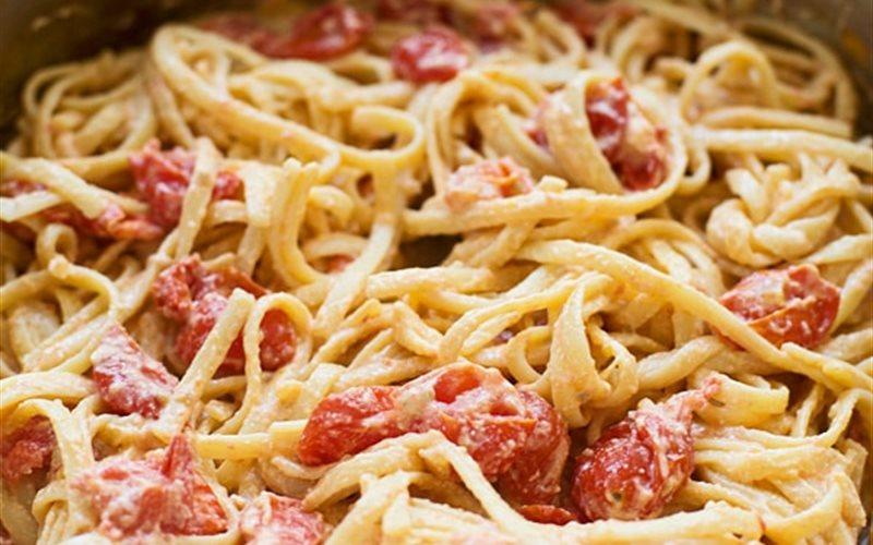 Cách làm Pasta phô mai cà chua