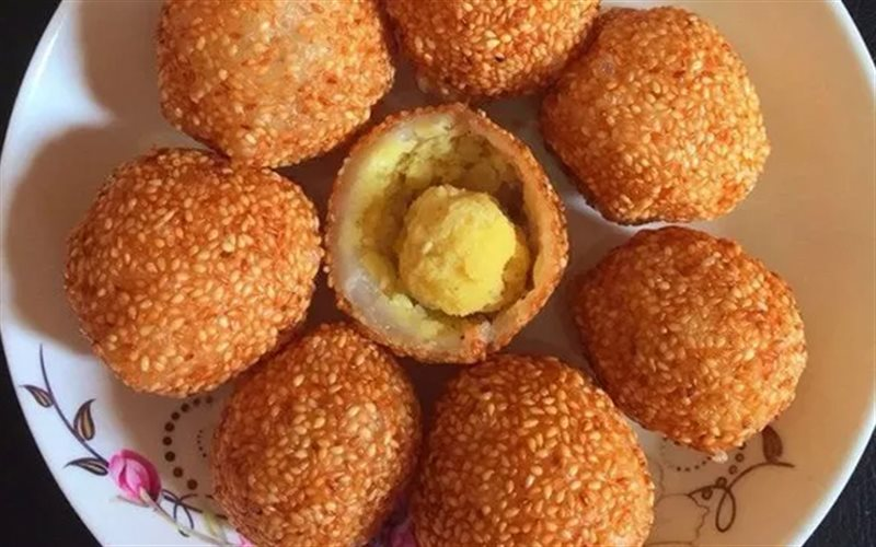 Cách làm Bánh Rán Lúc Lắc nhân đậu xanh, giòn ngon tại nhà