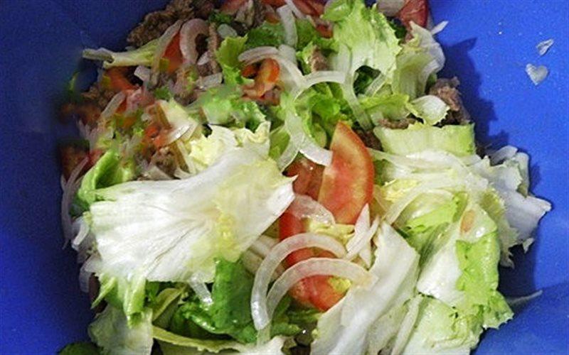 Cách Làm Salad Xà Lách Thịt Bò Thanh Mát Hấp Dẫn