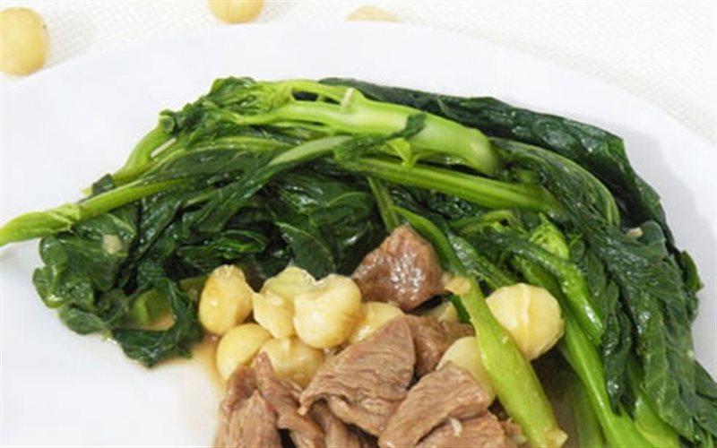 Cách Làm Cải Làn Xào Bò Và Hạt Macadamia Thơm Ngon