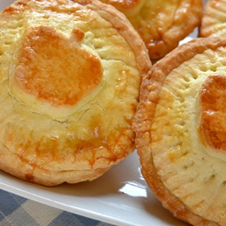 Cách làm bánh tart táo sữa chua