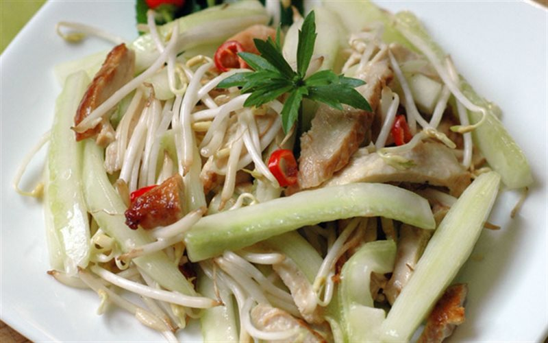 Cách làm Salad Gà Dưa Leo khai vị cho bữa tiệc cực hợp lý