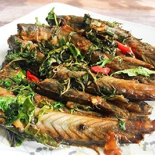 Cách làm cá kèo kho rau răm thơm ngon