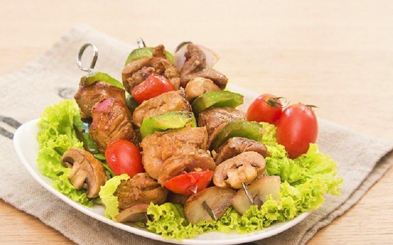 Cách Làm Thịt Xiên Rau Củ Áp Chảo Đơn Giản Hấp Dẫn