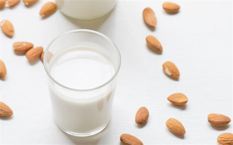 Cách làm Sữa Hạnh Nhân đơn giản tốt cho sức khỏe