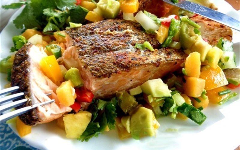 Cách Làm Salad Cá Hồi Chiên Đơn Giản Và Dinh Dưỡng