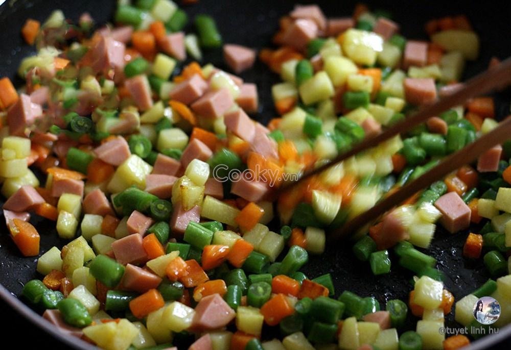 Gợi ý 5 cách làm cơm chiên giòn từng hạt ăn đến đâu ngon đến đấy