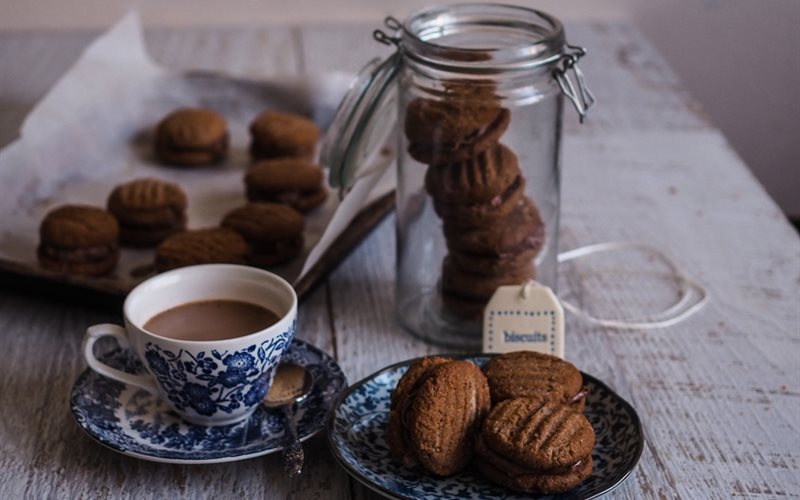 Cách Làm Bánh Cookie Dừa Chocolate Ăn Vặt Hấp Dẫn